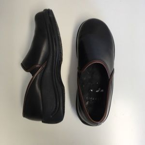 Used, Dansko Black non slip nurse shoes for sale
